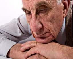 Uma aspirina por dia poderia ajudar os idosos na luta contra a depressão, diz pesquisa